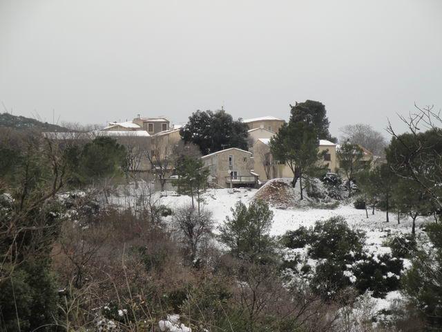 Neige à Combaillaux : le vieux village