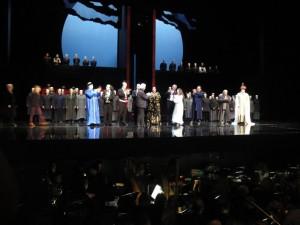 Turandot à Montpellier : Le salut final.